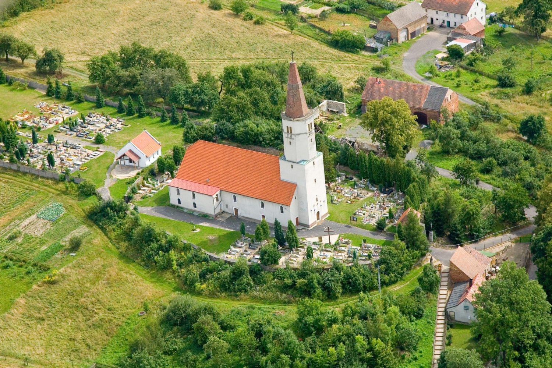 Kościół Trzech Króli w Radostowie